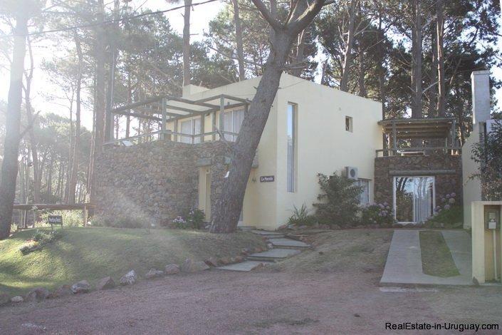 4421-House-in-Montoya-Between-Woods-and-Sea-475