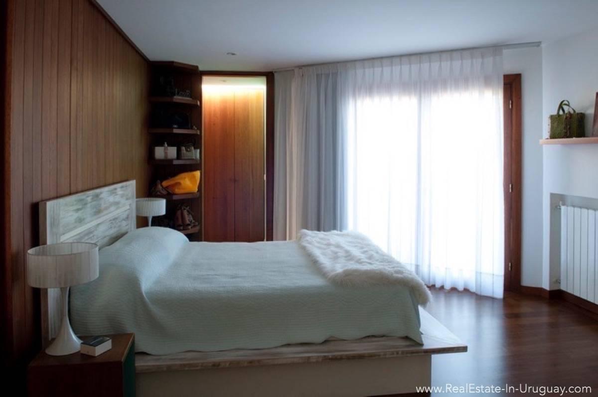 Modern Designer House - Master Bedroom