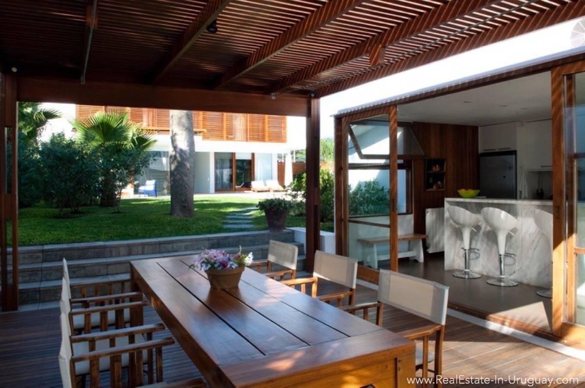 Modern Designer House - Terrace