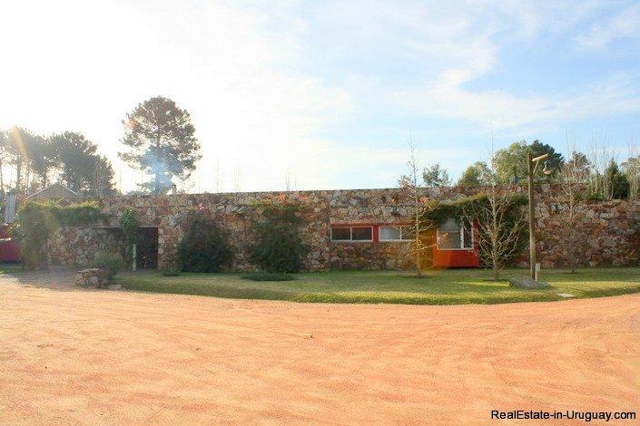4553-Modern-Private-Estate-in-Cantegril-625