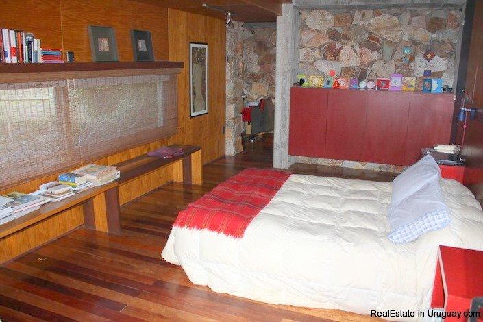 4553-Modern-Private-Estate-in-Cantegril-629