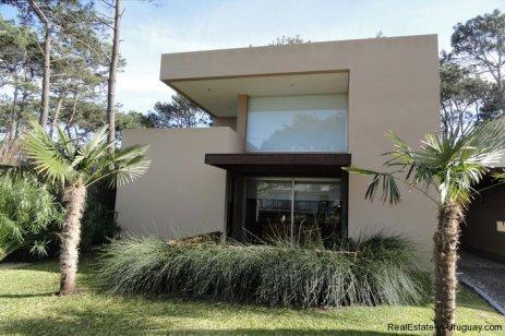 4604-Modern-Attractive-House-in-Montoya-573