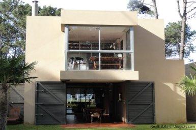 4604-Modern-Attractive-House-in-Montoya-580