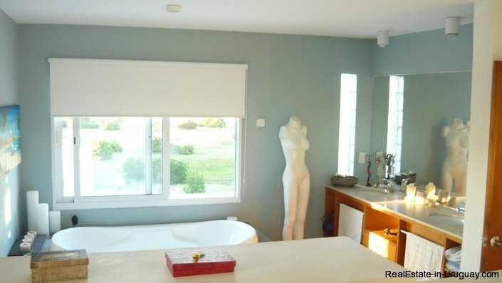 4172-Modern-Rental-Home-with-Great-Views-by-Jose-Ignacio-1225