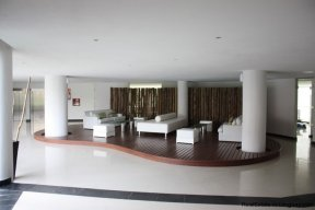 4384-Modern-Apartment-only-a-Block-from-the-Sea-1322