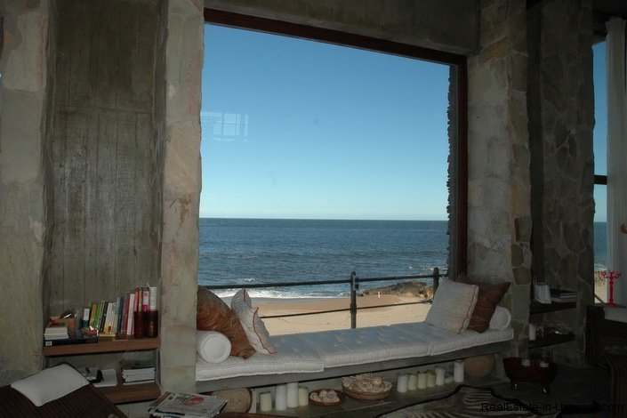 4609-A-ModernRustic-Seafront-Mansion-designed-by-Architect-Ravazzani-in-Punta-Piedras-899