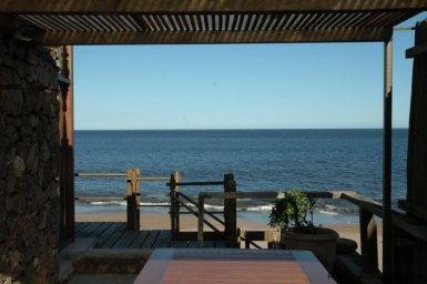 4609-A-ModernRustic-Seafront-Mansion-designed-by-Architect-Ravazzani-in-Punta-Piedras-900