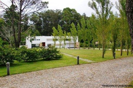 4706-Impressive-Modern-Residence-in-Playa-Brava-Area-1070