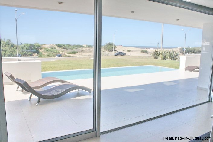 4786-Spacious-Modern-Seafront-Apartment-on-Playa-Brava-1014
