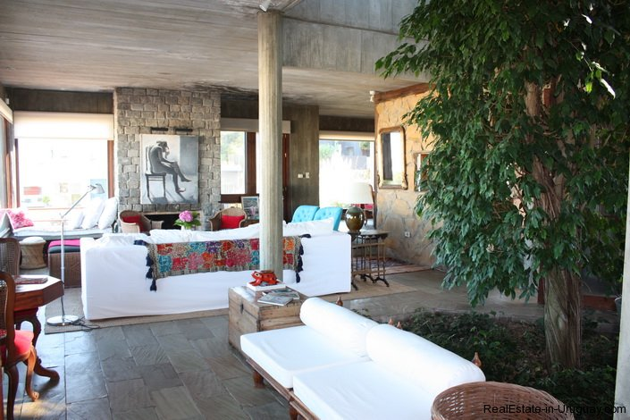 4834-Art-of-Design-with-the-Ocean-for-Rent-by-Architect-Ravazzani-in-Punta-Piedras-1155