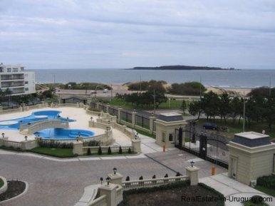 1624-177-Large-Apartment-in-Le-Jardin-Building-on-Playa-Mansa