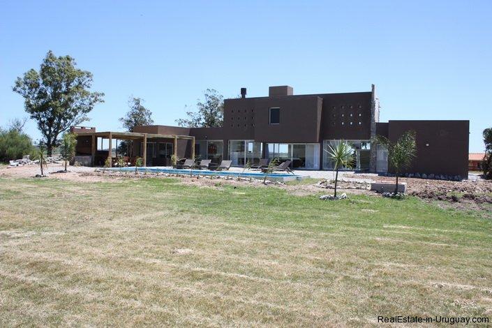 4382-Modern-Home-in-El-Quijotes-Natural-Surroundings-1400