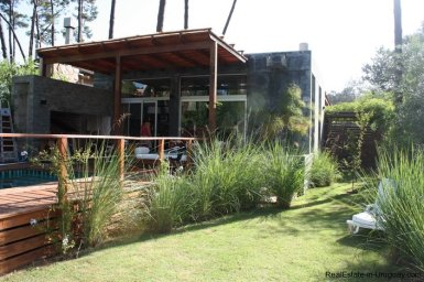 4453-Modern-Home-2-Blocks-from-Ocean-in-Montoya-1340
