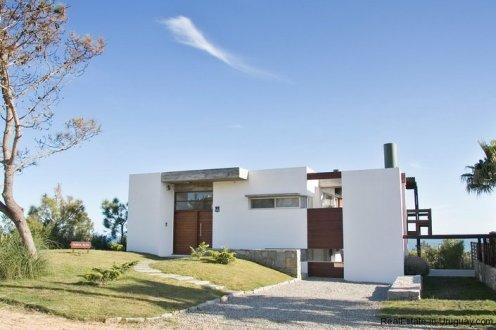 4584-Modern-2-Storey-Home-in-El-Chorro-1469