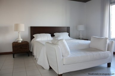 4596-A-Modern-Seafront-Apartment-in-Manantiales-1566