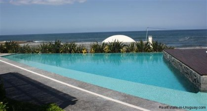 4728-Spacious-Apartment-in-Peaceful-Surroundings-Steps-from-the-Beach-1514
