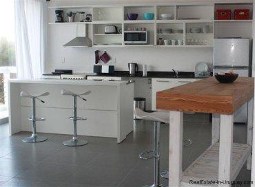 4889-Modern-Apartment-close-to-Bikini-Beach-1558