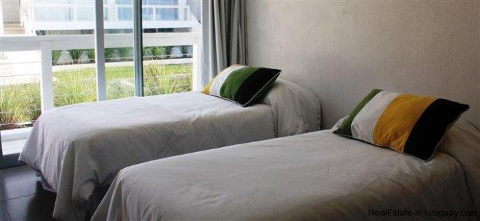 4889-Modern-Apartment-close-to-Bikini-Beach-1560