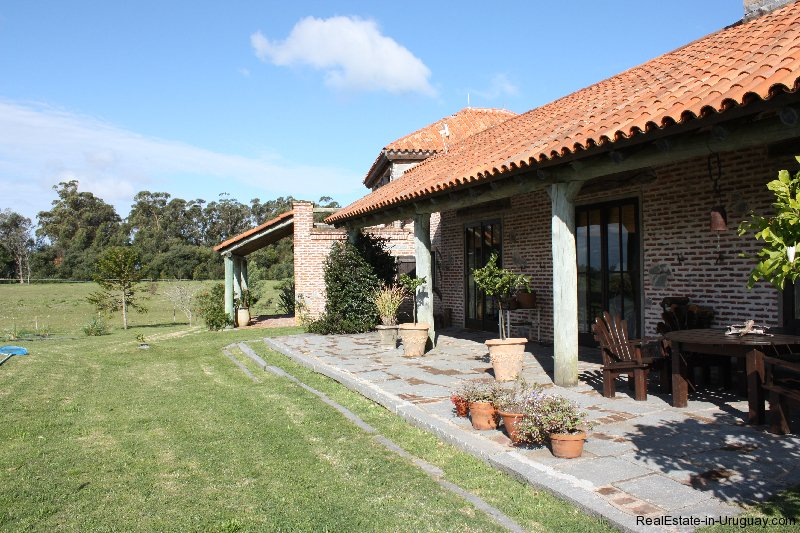 4264-Pretty-Traditional-Style-Ranch-near-Jose-Ignacio-3100