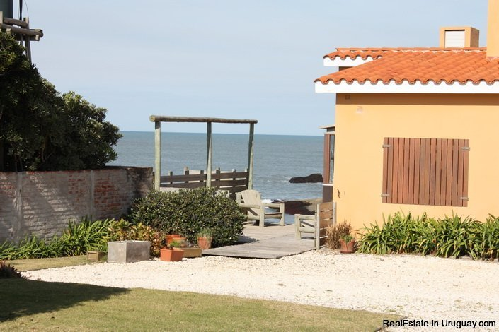 4519-On-the-Beachfront-by-the-Lighthouse-3191