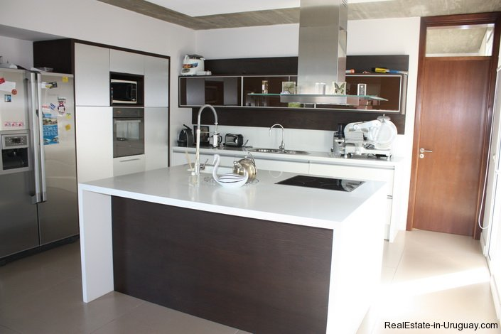 4799-Modern-Designer-Home-just-Steps-from-Mansa-Beach-3087