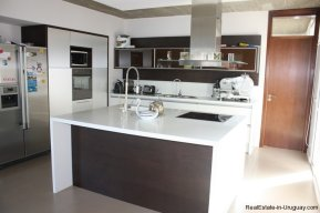 4799-Modern-Designer-Home-just-Steps-from-Mansa-Beach-3087