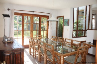 4858-Modern-Private-Estate-in-Cantegril-3240