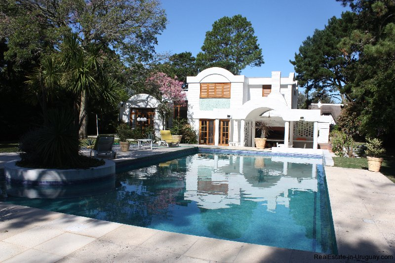 4858-Modern-Private-Estate-in-Cantegril-3242