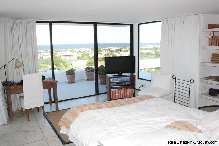 5103-Modern-Home-in-Club-de-Mar-close-to-the-Beach-2856