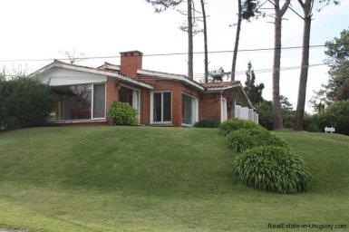 5187-Comfortable-Renovated-Home-Close-to-Playa-Brava-3544