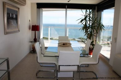 5207-Bright-and-Modern-Home-close-to-the-Ocean-3521