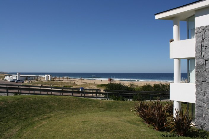 5233-Montoya-Apartment-by-the-Sea-3565