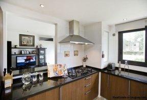 1137-Elegance-Design-and-Comfort-in-Carrasco-3925