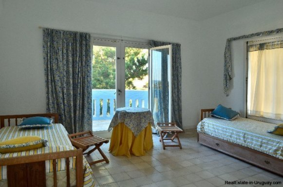 4548-Unique-Seafront-Property-3865