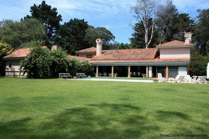 4798-Large-Villa-in-El-Golf-3372