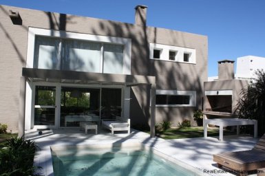 5212-Modern-2-Story-Home-in-Laguna-Blanca-Country-Club-3413