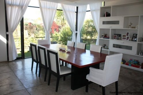 5242-Spectacular-Designer-Home-3757