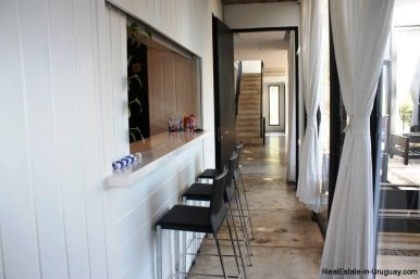 5242-Spectacular-Designer-Home-3758