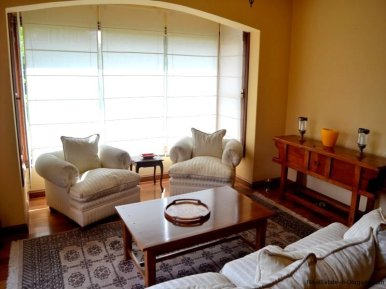 1352-Magnificent-Residence-in-Carrasco-4104