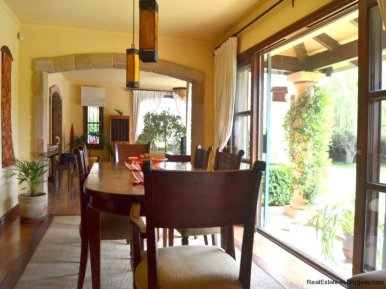 1352-Magnificent-Residence-in-Carrasco-4106
