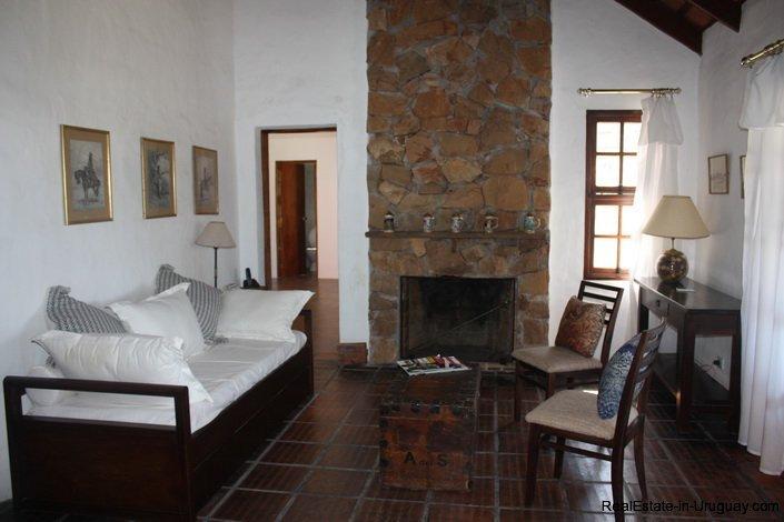 4662-Small-Country-House-in-Punta-Piedras-4237