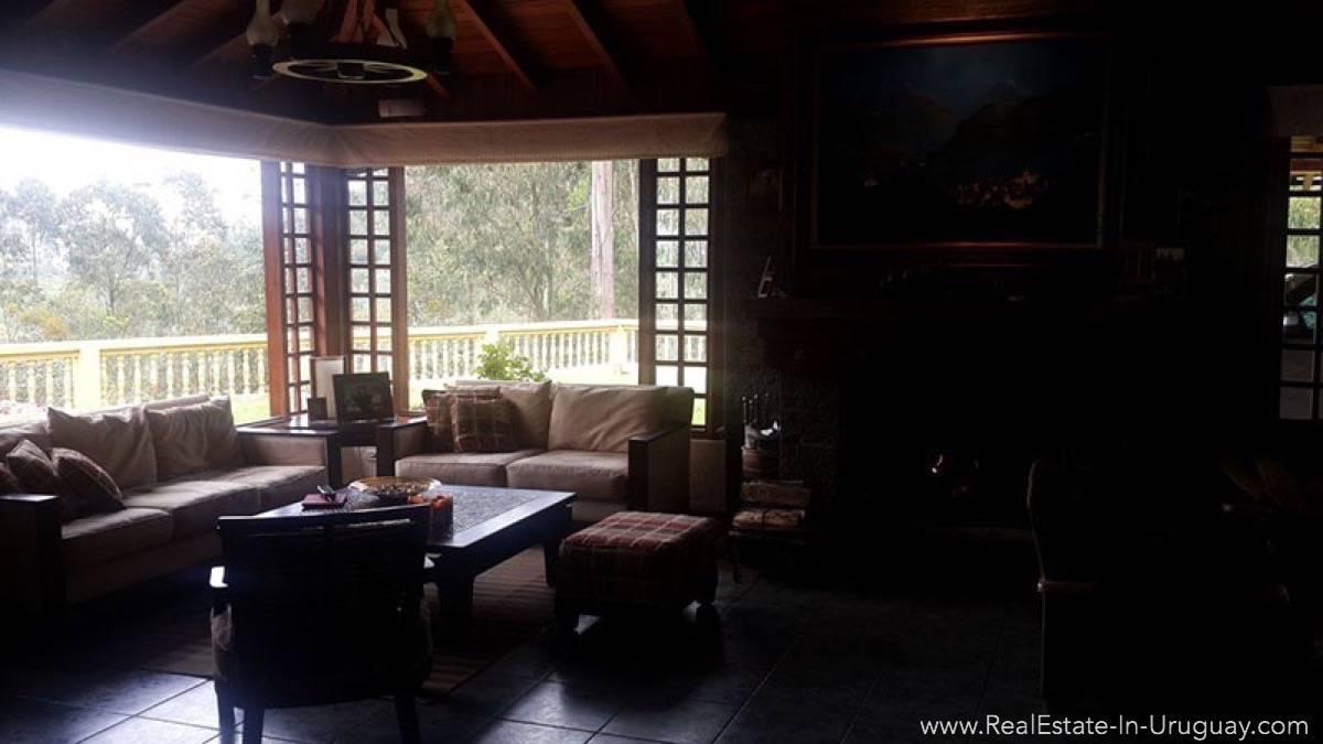 LivingRoom Hacienda Amaguana Valle de los Chillos, Ecuador