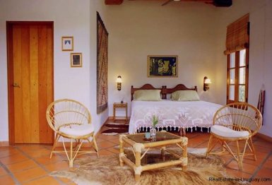 1281-Bedroom-of-Chacra-close-to-historical-town-Colonia-del-Sacramento