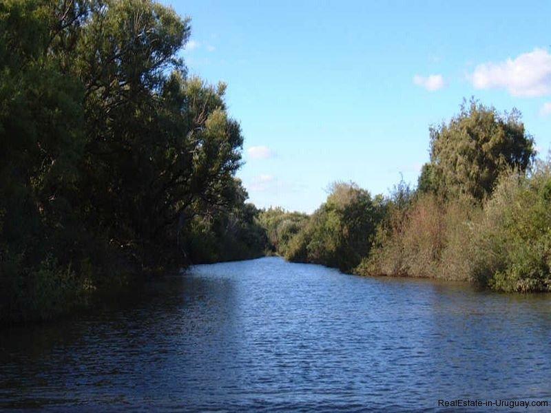 River-by-Historical-Estancia-near-Casupa