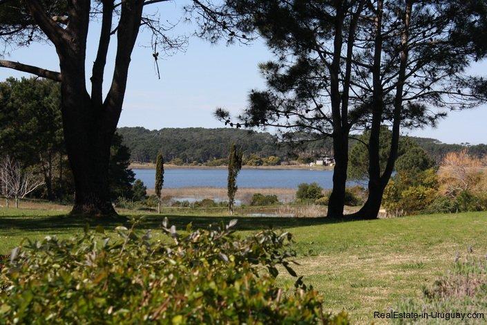 Lakeview-of-Estancia-overlooking-Laguna-Blanca-in-Manantiales