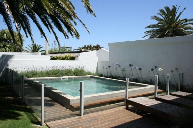 5601-Pool-of-Remodeled-Beach-House-La-Barra