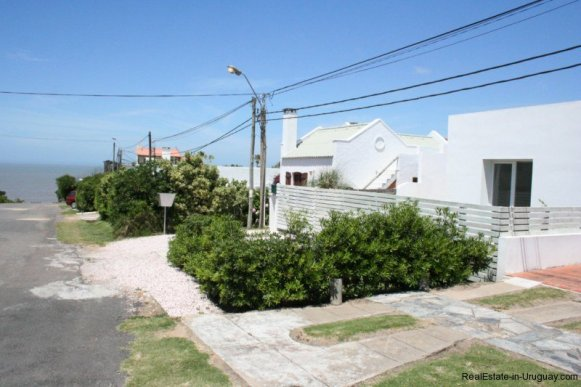 5601-Street-of-Remodeled-Beach-House-La-Barra