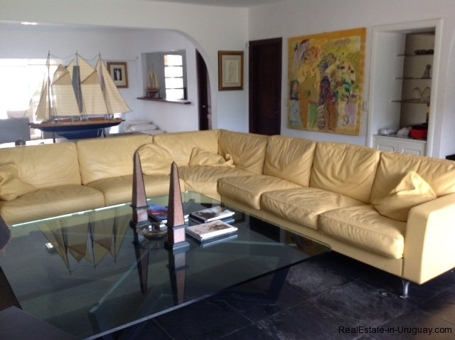 5615-Living-of-Large-Vacation-Home-in-La-Barra