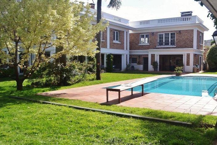 Traditional-Villa-Carrasco-Montevideo