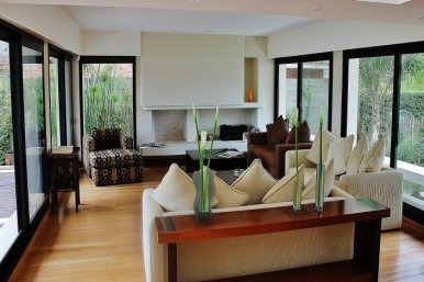 1001-Living-room-of-Lake-House-in-Buceo-Area-Montevideo
